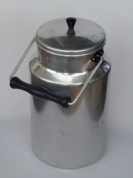 3 Liter Milchkanne- alt und gebraucht aus Aluminium
