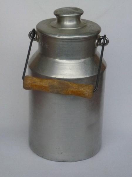 1,5 Liter Milchkanne aus Aluminium gebraucht- alt