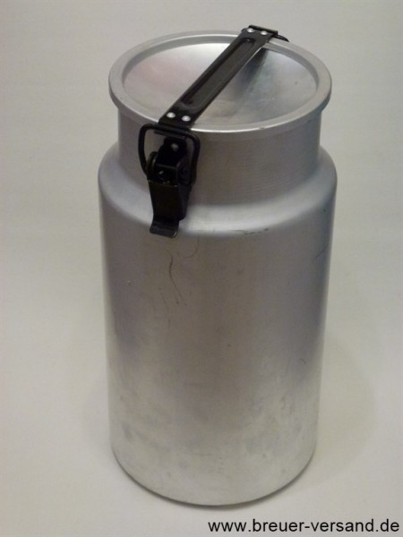 Alte 5 Liter Aluminium Milchkanne mit Deckel und Verschlussbügel.