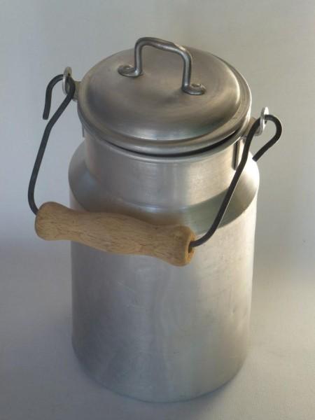 1 Liter Milchkanne alt gebraucht aus Aluminium