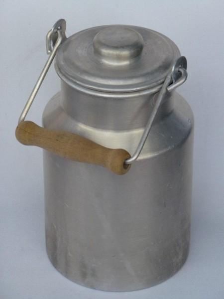 1 Liter Milchkanne- alt gebraucht aus Aluminium