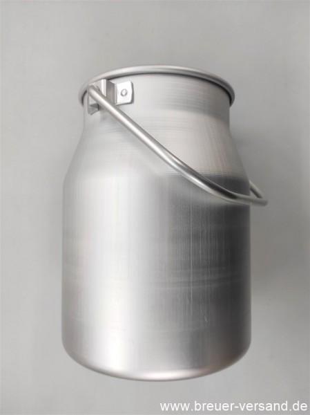 Diese Aluminium Kanne geht mit einem Fassungsvermögen von 5 Litern an den Start