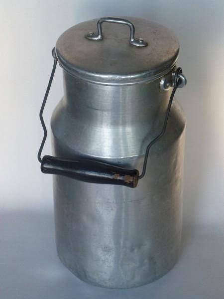 3 Liter Aluminium Milchkanne alt gebraucht