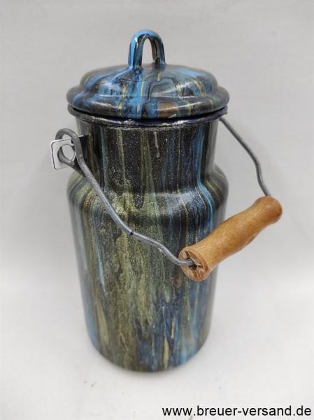 Mit Pouring Technik gestaltete 1 Liter Milchkanne, Motiv: Dark Impression