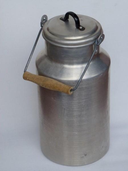 3 Liter Milchkanne alt gebraucht aus Aluminium