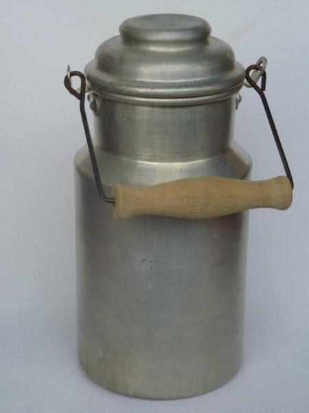 1,5 Liter Milchkanne alt gebraucht aus Aluminium