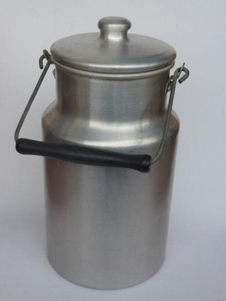 3 Liter alte gebrauchte Milchkanne