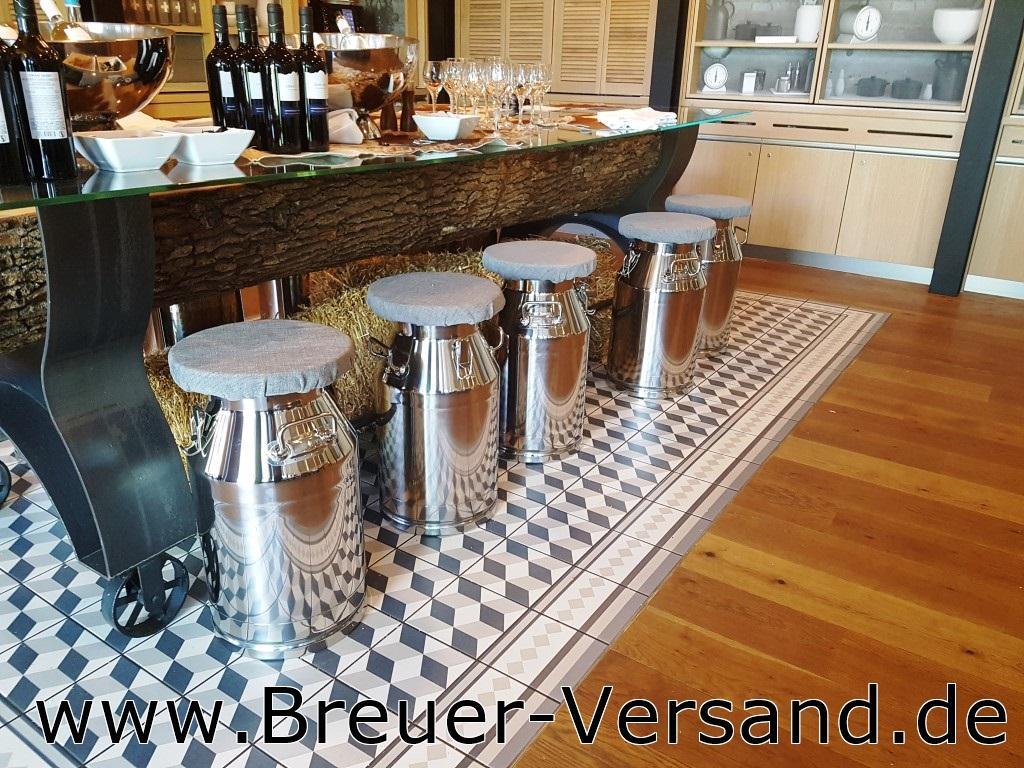 Dekorationsbeispiel-Sitzkanne