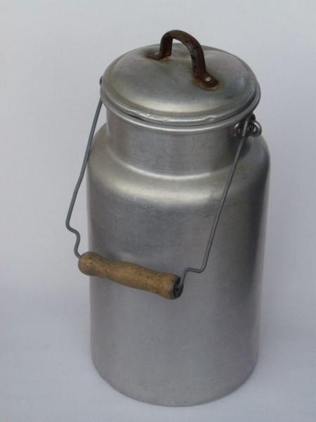 4 Liter alte gebrauchte Milchkanne
