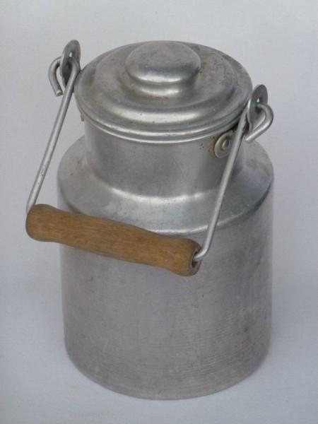 0,5 Liter alte gebrauchte Milchkanne von Oma