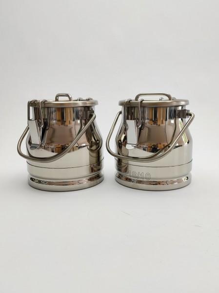 Auslaufsichere 3 Liter Edelstahl Milchkanne im günstigen Doppelpack. Die Milchkannen sind aus hochwertigem, rostfreien Edelstahl gefertigt.