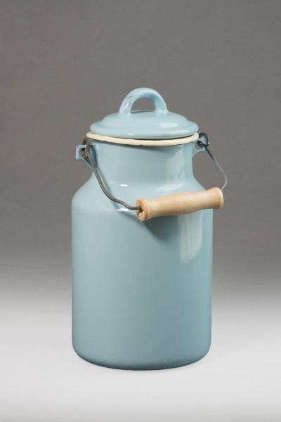 Emaillierte 2 Liter Milchkanne in pastellblau