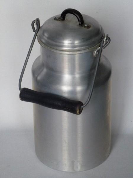 2 Liter Aluminium Milchkanne alt gebraucht