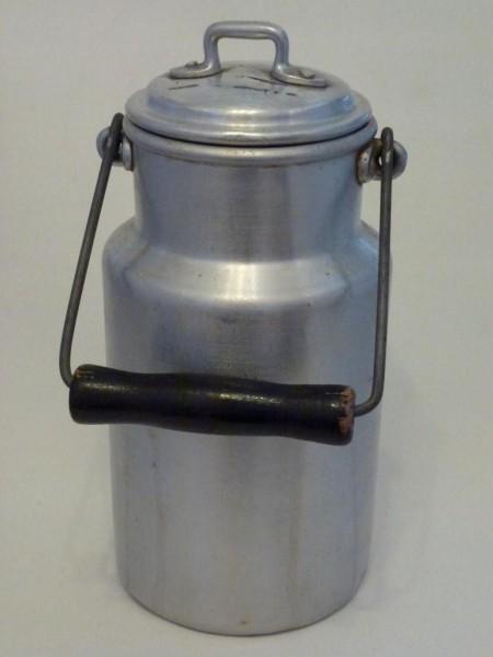 gebraute alte Milchkanne 1,5 Liter Aluminium